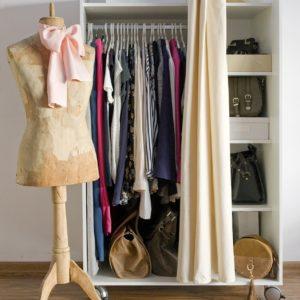 wardrobe-3981732_1920